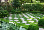 Газон – шахматная доска