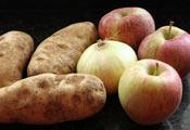 Яблоки, картофель и лук