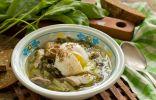 Щавелевый суп с мясом и яйцом