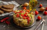 Салат из капусты и свинины — быстро и очень вкусно