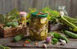 Маринованный салат из огурцов с луком и чесноком на зиму