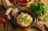 Варёная курица тушеная с овощами — просто и полезно
