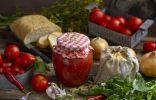 Густой томатный соус с луком и сладким перцем