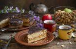 Оригинальный пирог с яблоками и сухофруктами
