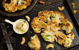 Румяная цветная капуста в духовке с соусом бешамель