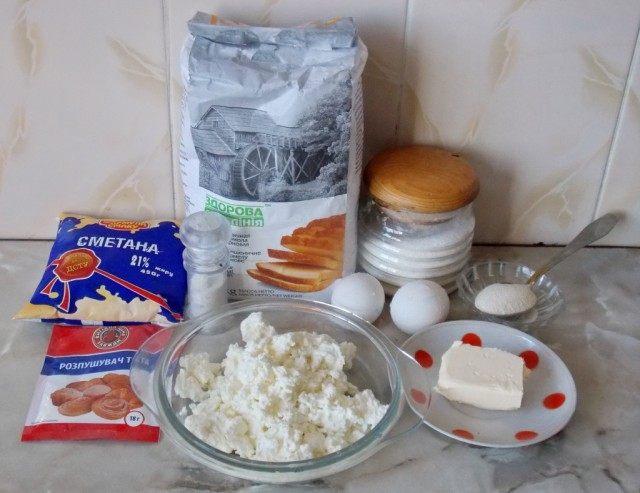 Ингредиенты для домашних сочников с творогом
