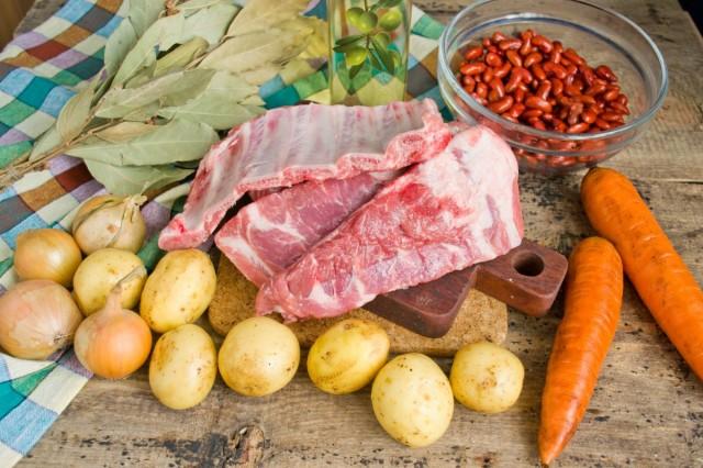 Ингредиенты для фасолевого супа