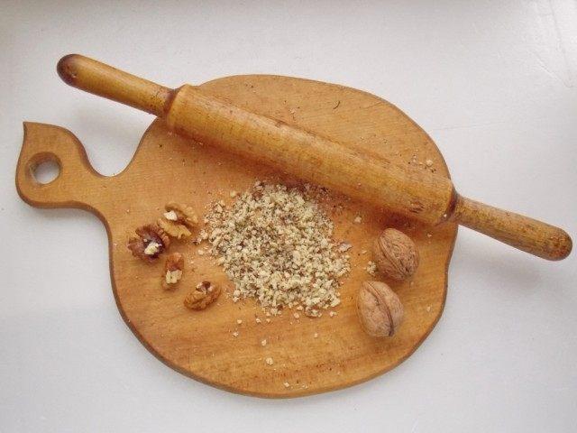Измельчим грецкий орех