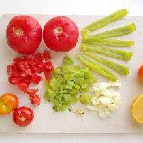 Подготовленные овощи нарезаем