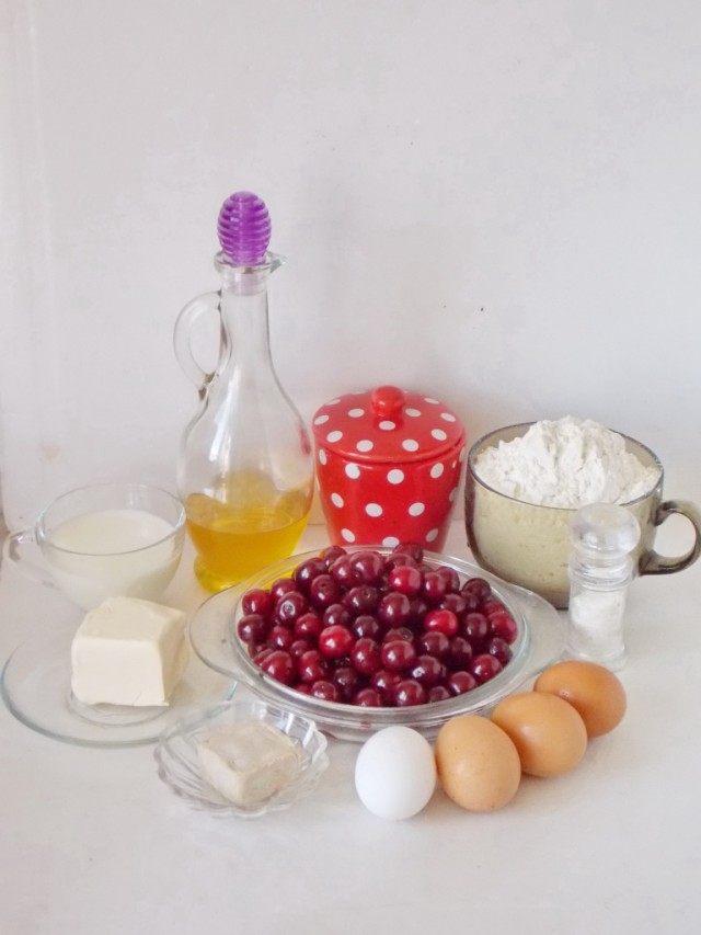Ингредиенты для приготовления пирожков с вишнями