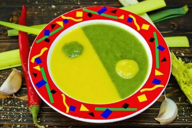 «Инь-Ян» - овощной суп на курином бульоне
