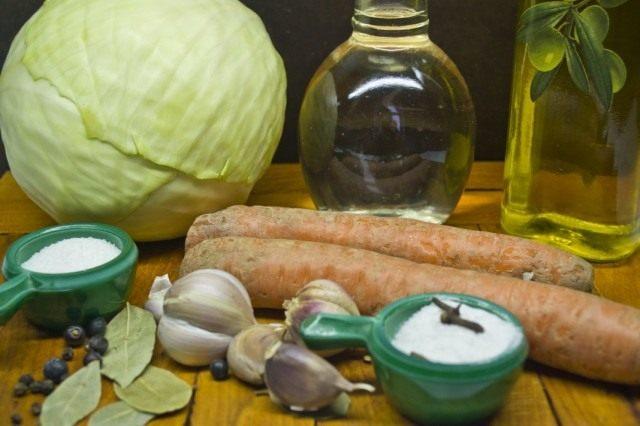 Ингредиенты для приготовления маринованной капусты