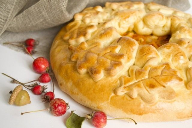 Пирог с курицей и овощами