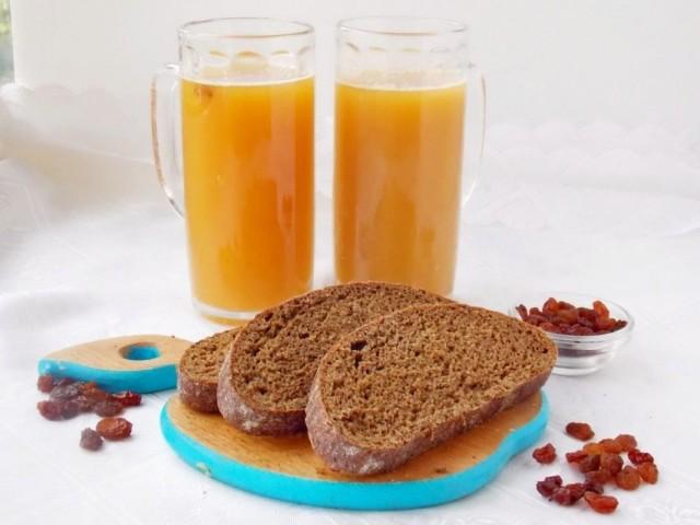 Квас домашний из ржаного хлеба