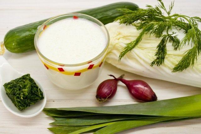 Ингредиенты для приготовления смузи с огурцом и шпинатом