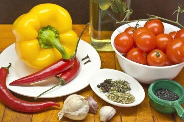 Ингредиенты для приготовления конфи из жёлтого перца