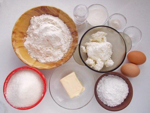 Ингредиенты для приготовления сочников с творогом