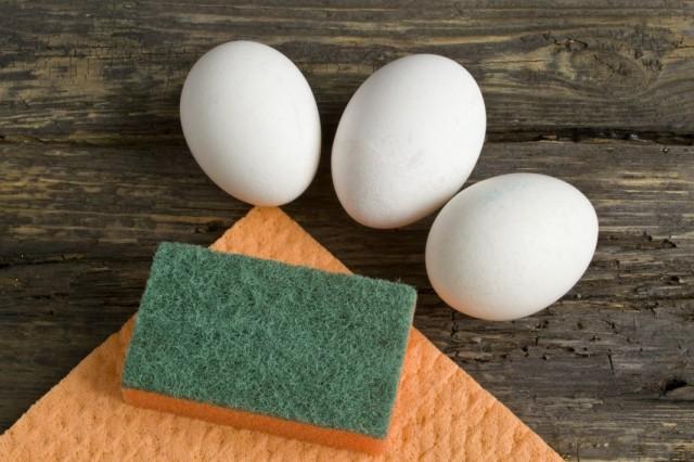 Моем и отвариваем яйца