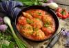 Тефтели с подливкой из помидоров и сладкого перца