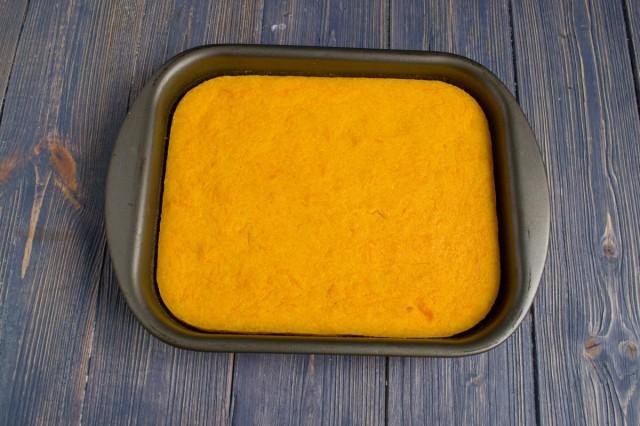 Запекаем оранжевый корж для домашнего торта
