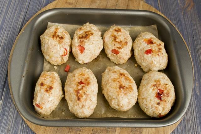 Готовим куриные тефтели в духовке