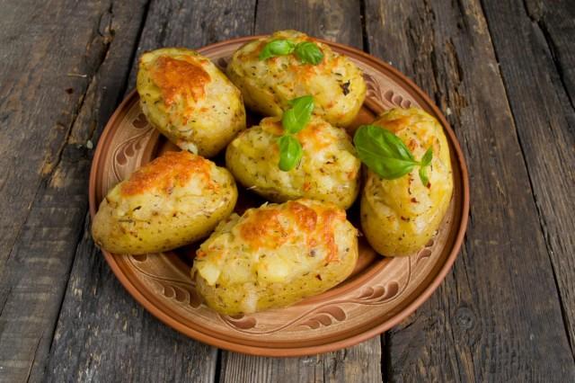 Печёная в духовке картошка