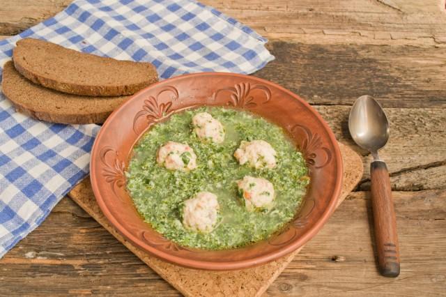 Суп со шпинатом с фрикадельками готов!