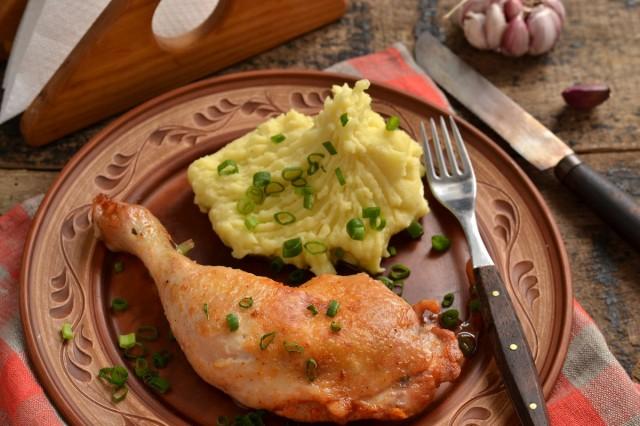 Куриные окорочка на сковороде