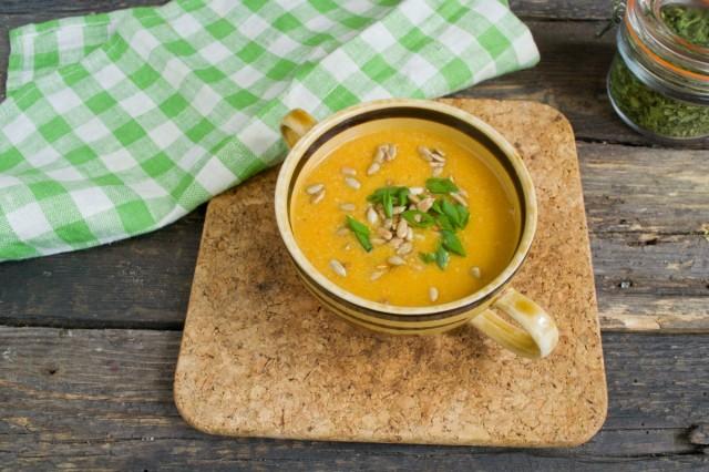 Суп-пюре с кабачком и курицей готов!