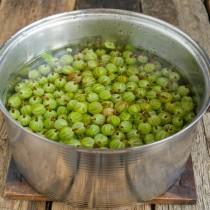 Варим ягоды в воде 7-8 минут