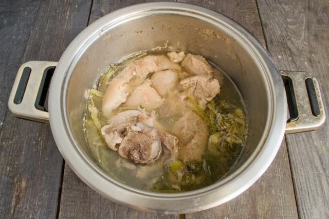 Варим мясо на маленьком огне 1.5-2 часа