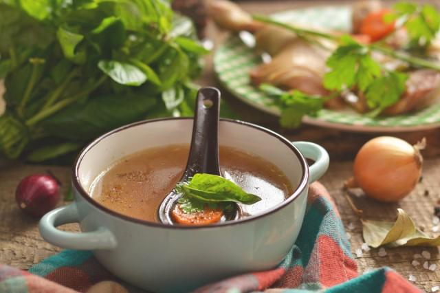 Куриный бульон из окорочков — наваристый и ароматный