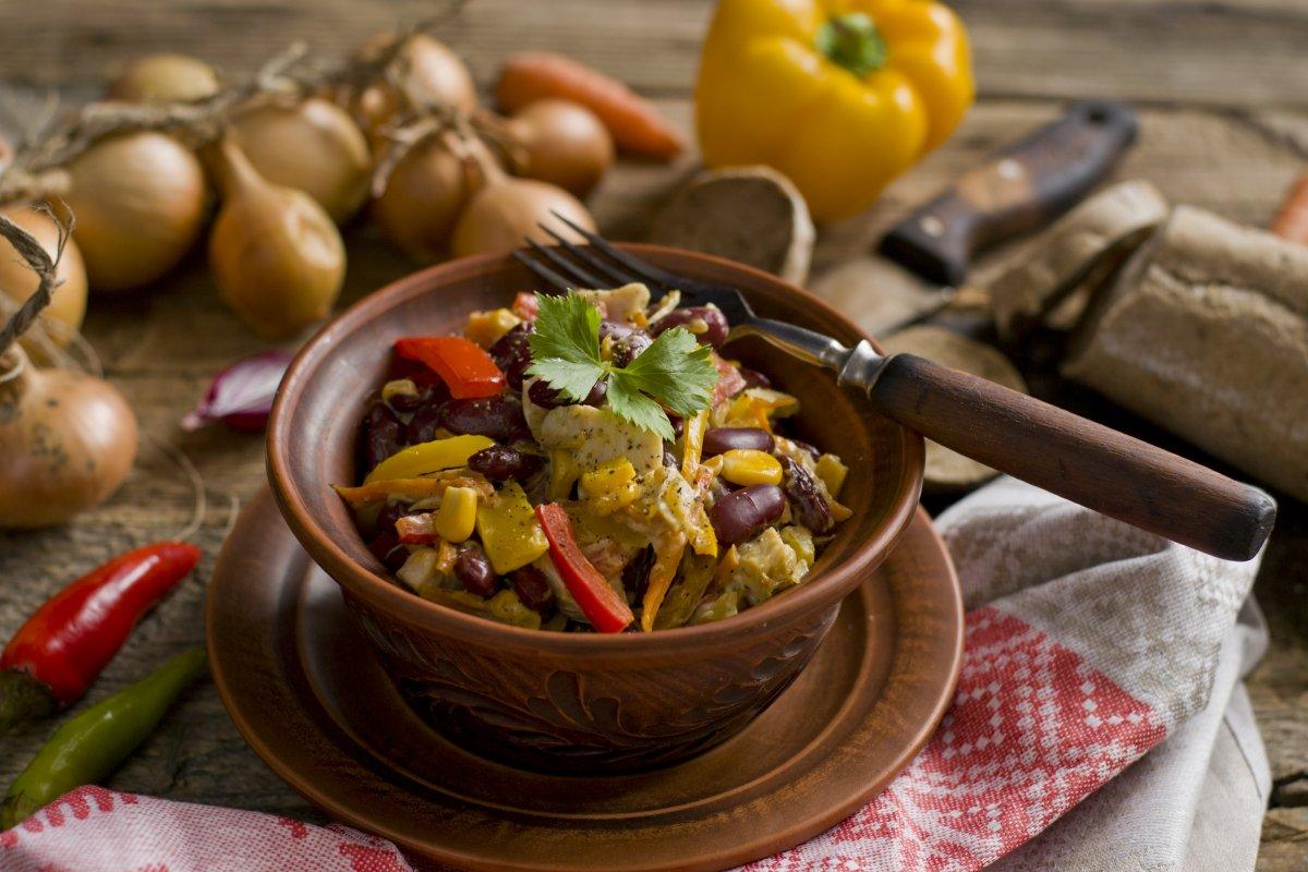 салат из фасоли и курицы для похудения