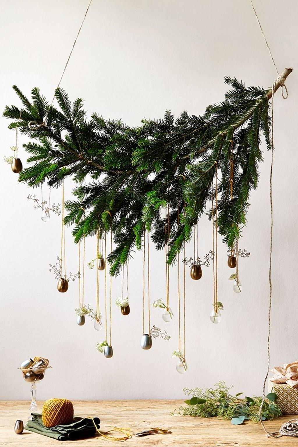 также опубликовала ветки деревьев на новый год фото кухни фотопечатью немного