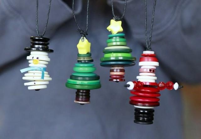 Ёлочные игрушки из пуговиц