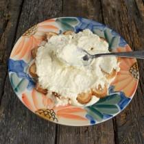 Наносим толстый слой крема