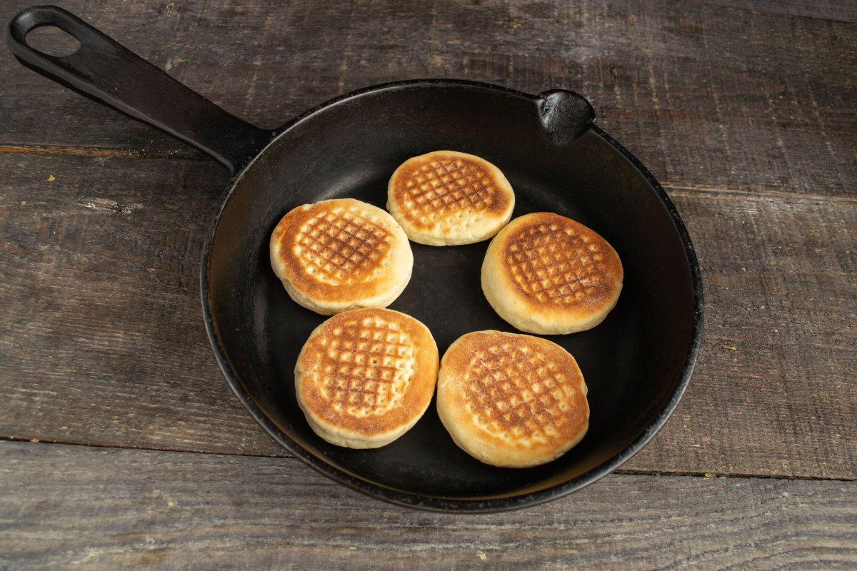 Мучные на сковороде рецепт с фото простой