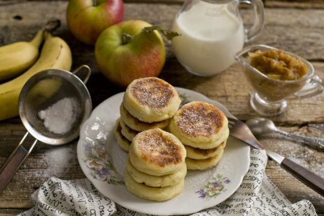 Пышные сырники с бананово-яблочным конфитюром