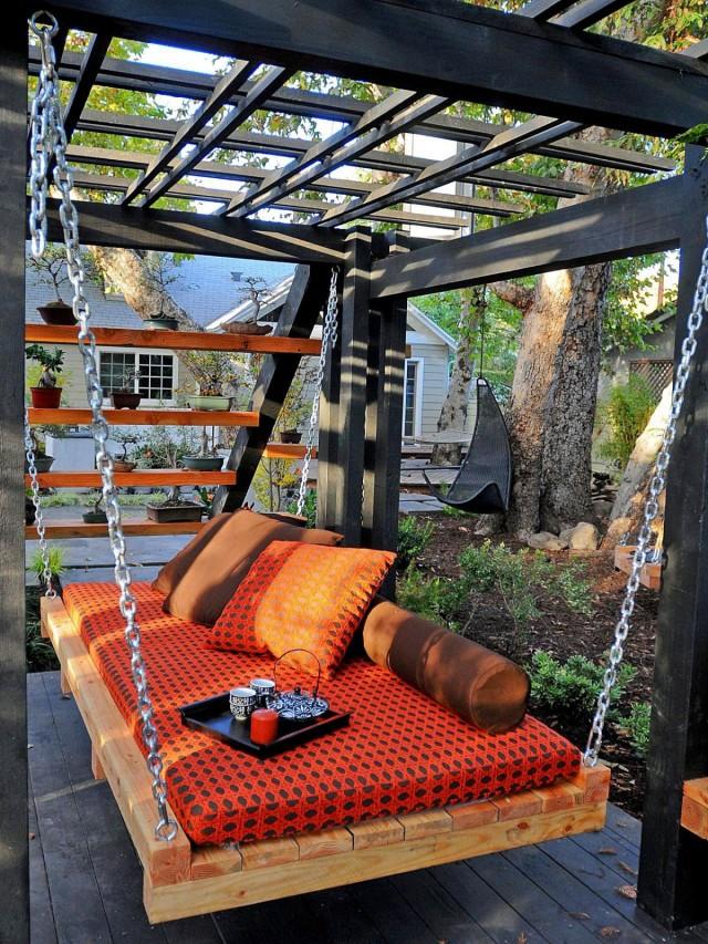 Подвесной диван-кровать
