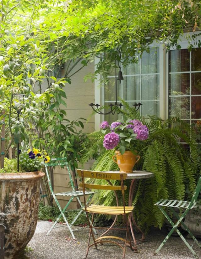 Столик для чаепития во французском стиле