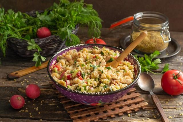 Табуле с курицей — вкусный салат с булгуром