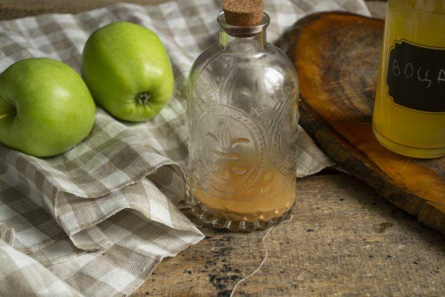 Осадок домашнего яблочного уксуса