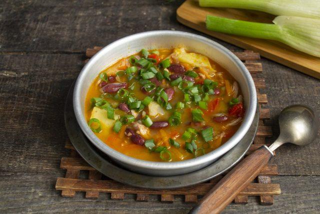 Фасолевый суп с картошкой и фенхелем готов