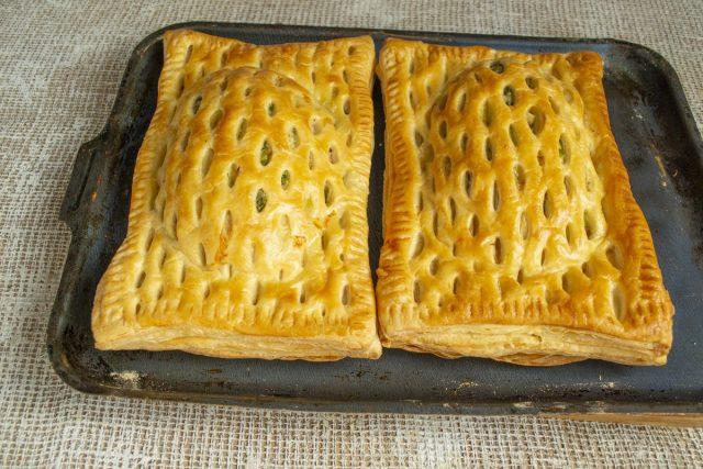 Печём пирог 20-25 минут до золотистого цвета
