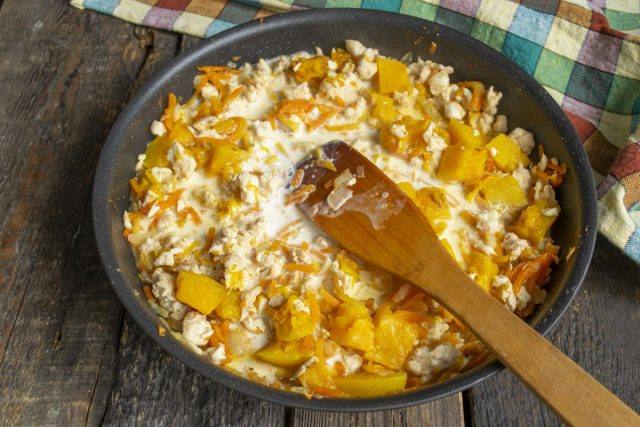 Курица с тыквой в молочном соусе — быстро и очень вкусно