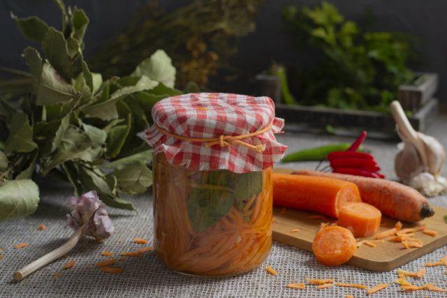 Пикантная морковь на зиму для гарниров и салатов