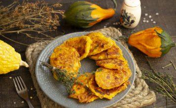 Яркие оладьи из тыквы со сливочным творожным сыром и тимьяном
