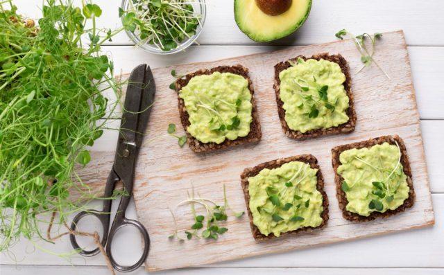Концентрация витаминов, минералов и полезных веществ в микрозелени в несколько десятков раз превышает эти же показатели взрослых растений