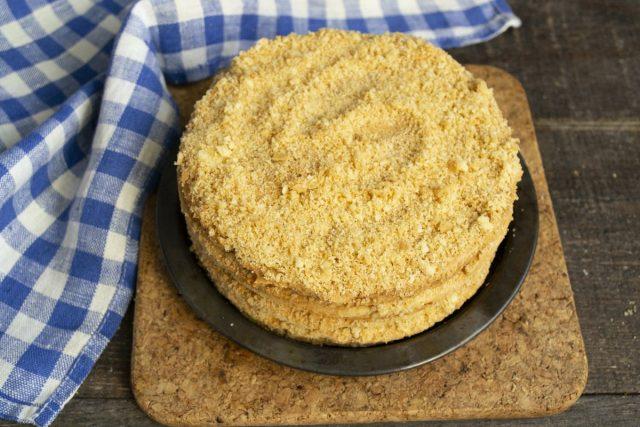 Домашний торт «Наполеон» из песочного теста на майонезе готов