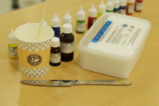 Все составляющие для мыла своими руками стоят все равно в разы дешевле, чем мыло из них созданное